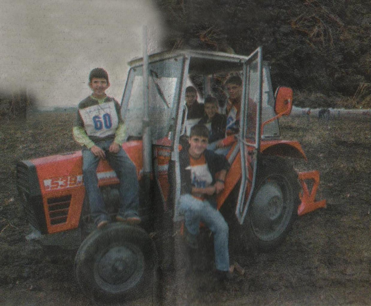 Екипа орача Основне школе ''Живојин Перић'' У Јакову 2006. године